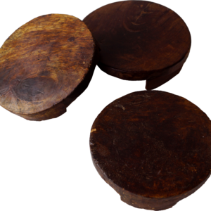 Osteplatte i rustikt træ
