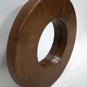 Rundt spejl med læderkant