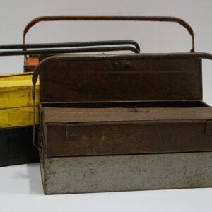 Gammel jern værktøjskasse